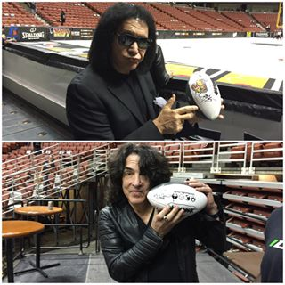 @genesimmons and @paulstanleylive always making time for the best fans in @aflarenaball! #LAKISSFOOTBALL #WEAREONE
